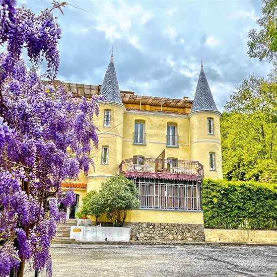 APPART' HOTEL CASTEL EMERAUDE - ARLES SUR TECH castel emeraude