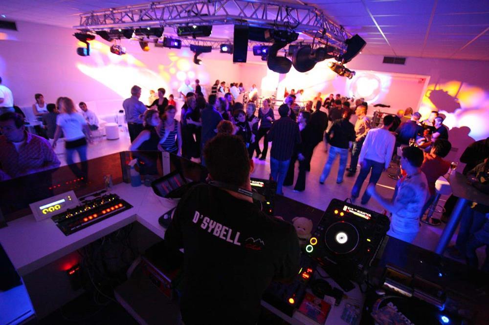 D'Sybelle Club Discothèque - Saint Sorlin d'Arves, village station © © Office de Tourisme de Saint-Sorlin-d'Arves