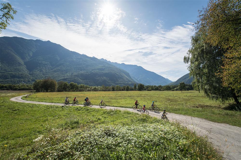 Vélo électrique Lac des Hurtières © Alban Pernet