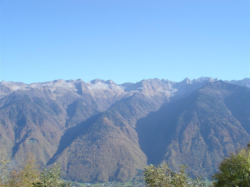Vue sur le massif de La Lauziere ©