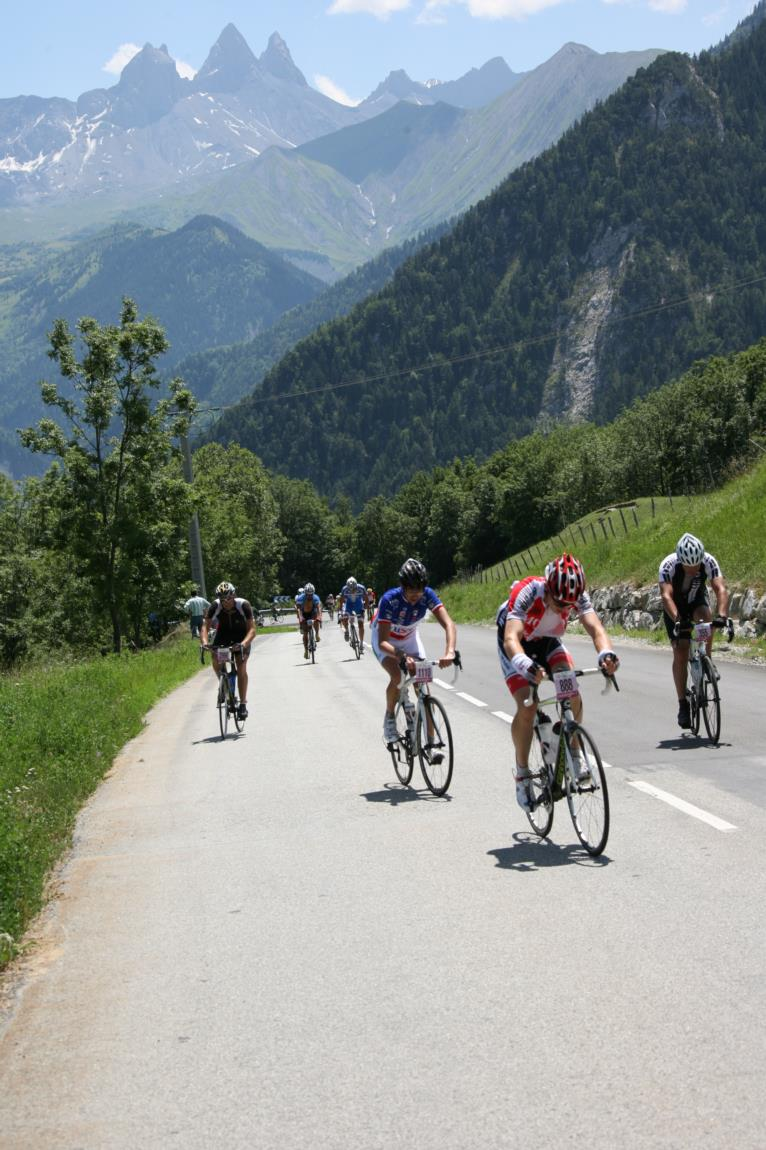Montée de La Toussuire lors de l'étape du Tour en 2012 © clic-clac photo