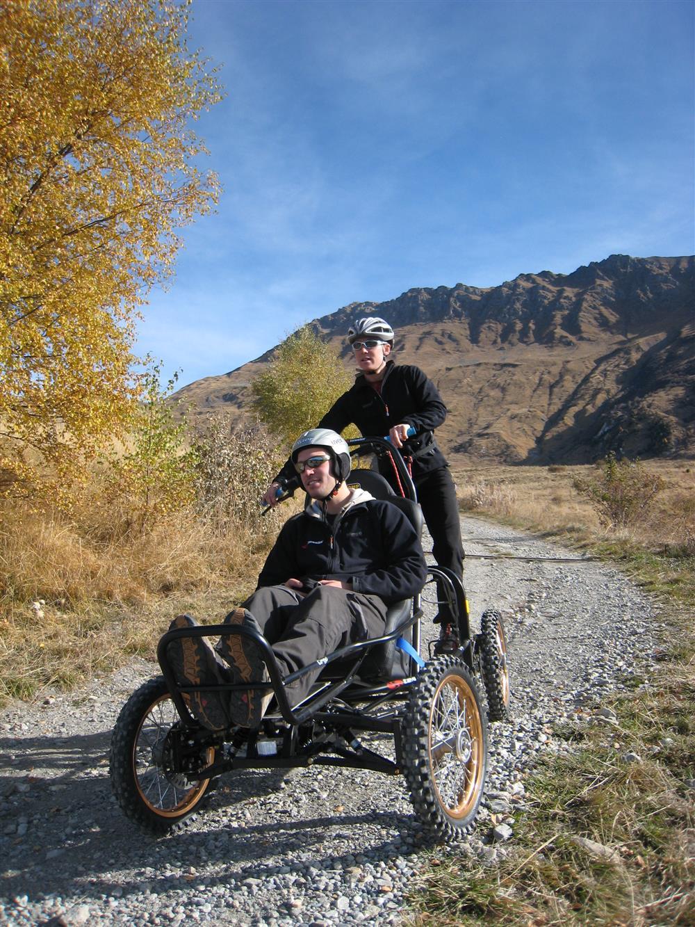 Wandelen voor mensen met beperkte mobiliteit- CIMGO © Office de Tourisme de Saint Sorlin d'Arves