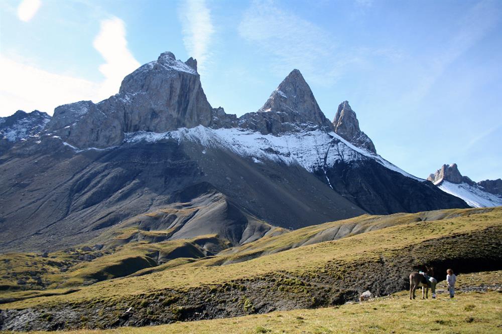 Wandeling met pakezels tot de voet van les Aiguilles d'Arves © Anes en montagne