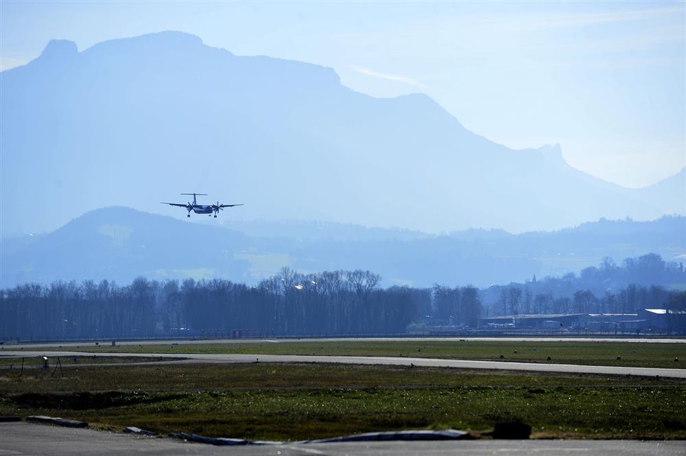 Aéroport Chambéry Savoie Mont Blanc © G. Garofolin pour OT Chambéry