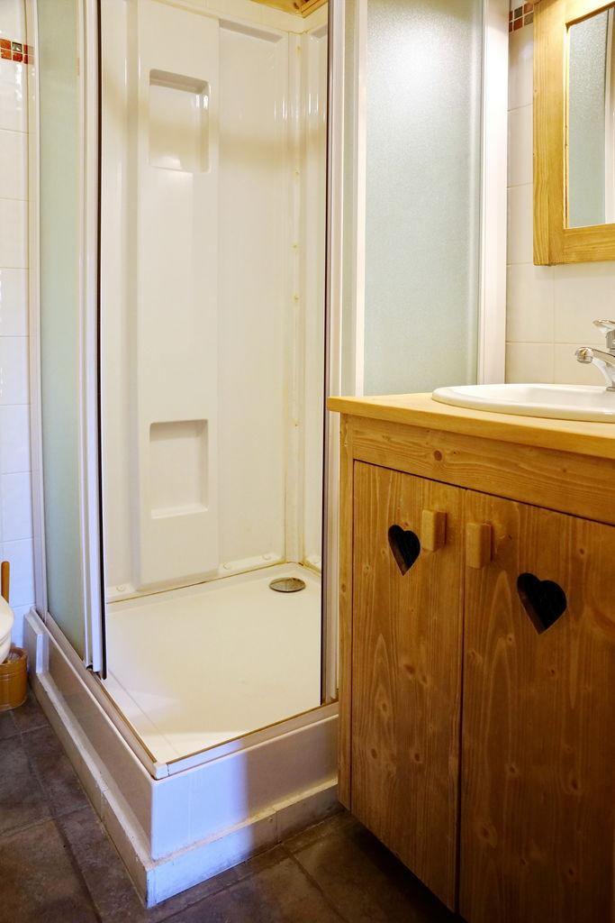 Grand-Loup - Salle de bain 3 © C Girollet