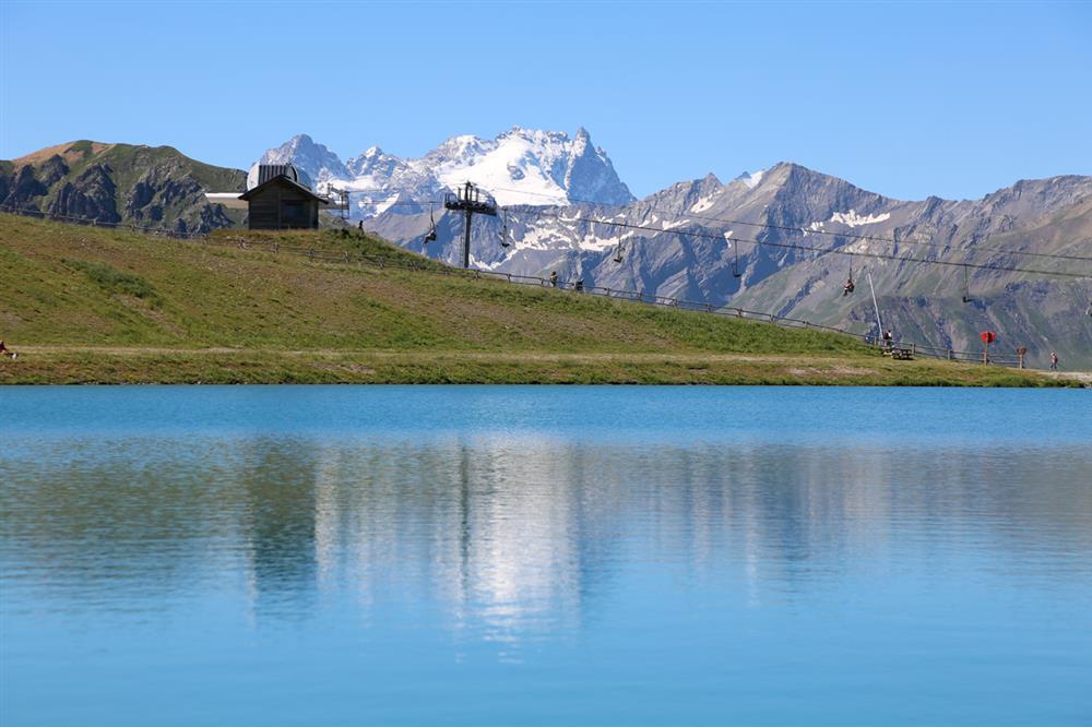 Télésiège et Lac de la Vieille © P. Delannoy / Ot Valloire