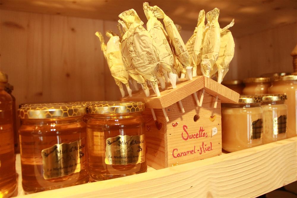 Honey making visit © Office de Tourisme Saint Jean d'Arves - Les Sybelles