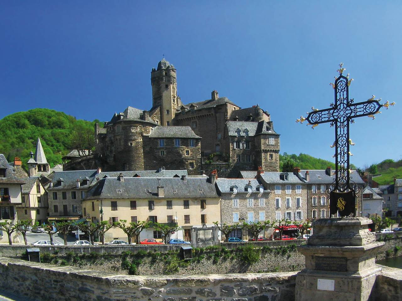 Estaing vue ensemble  © OT du Canton d-Estaing