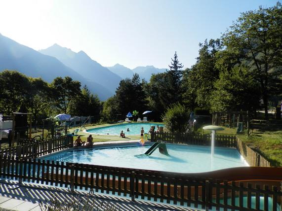 La piscine, la pataugeoire et les toboggans, le sauna