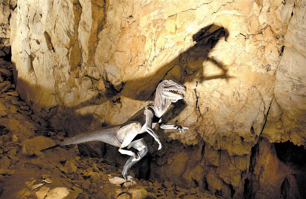 Cova Bastera, Dinosaure © Grottes Grandes Canalettes 3 grottes