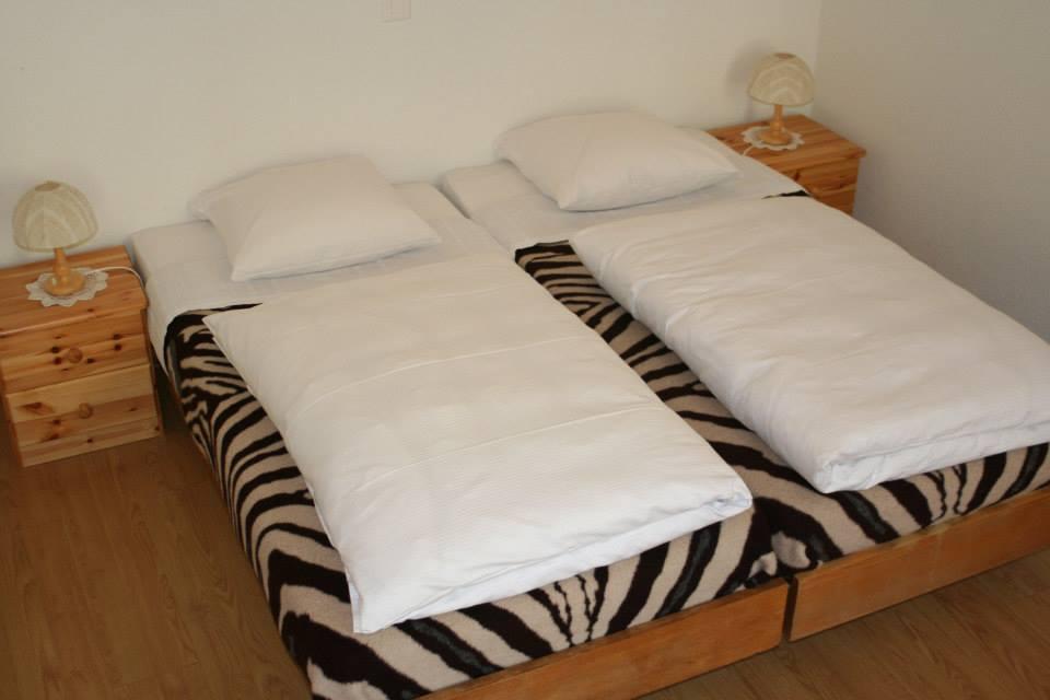 room No. 9 © chambre 3 lits