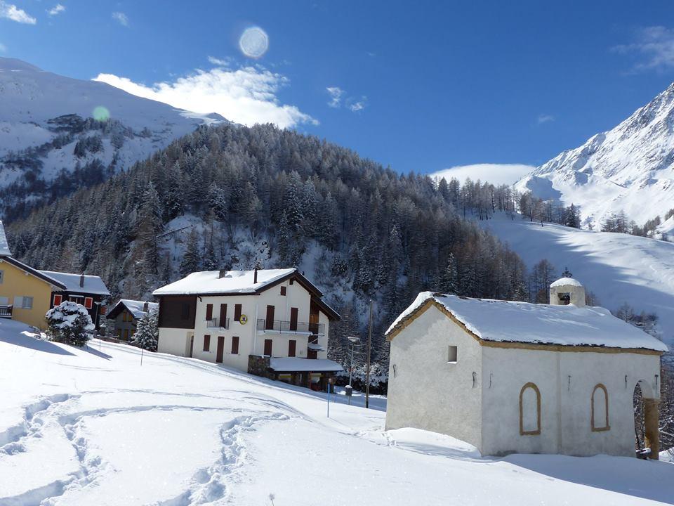 Ferret village during the winter ©
