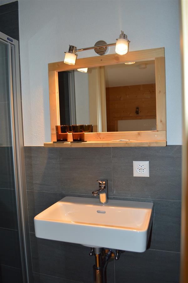 douche/WC attenant à la chambre