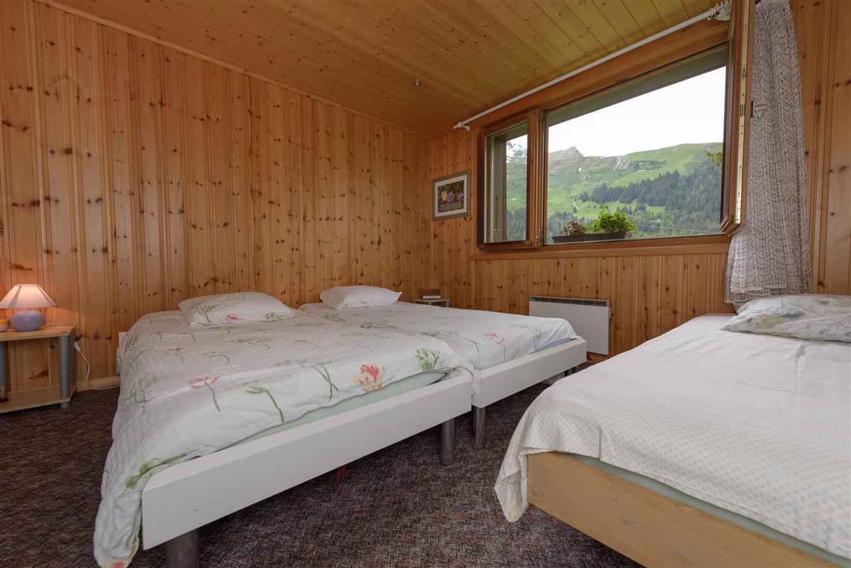 chambre à 3 lits motel ©