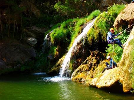 Canyon D'eau Chaude THUES