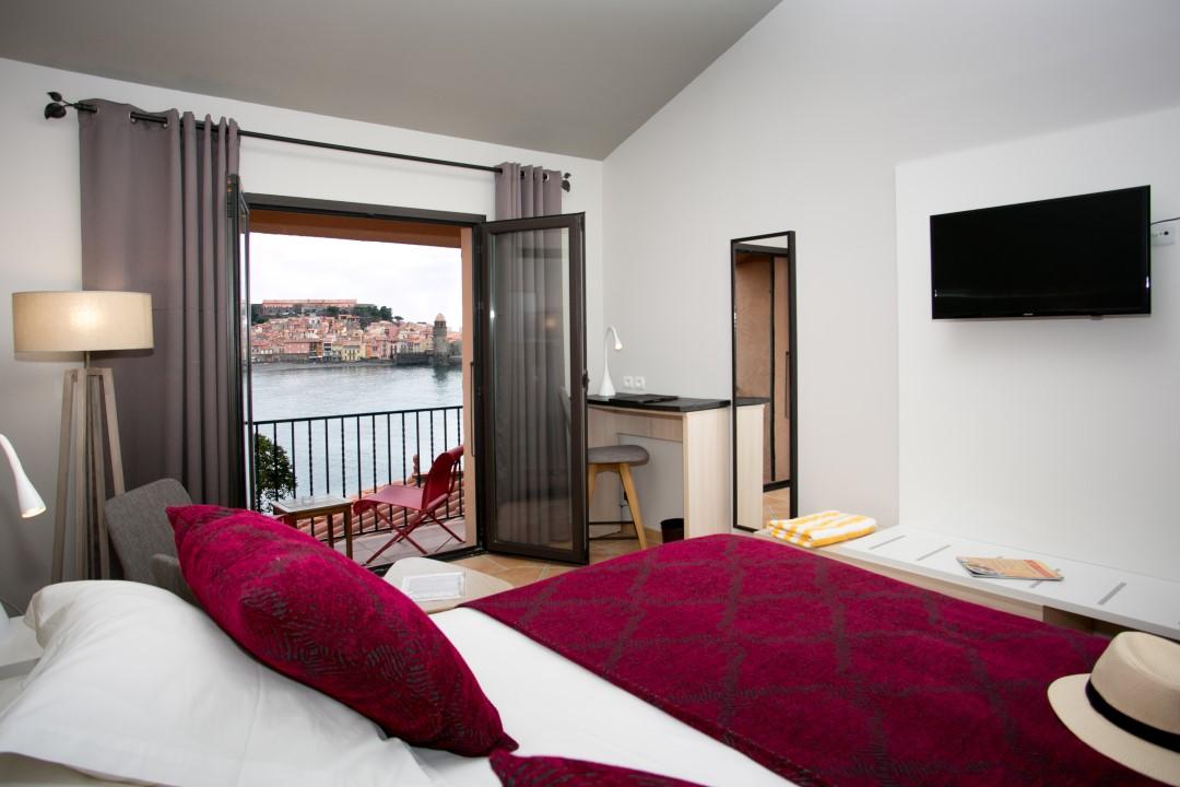 chambre deluxe balcon © Relais des 3 Mas - Collioure