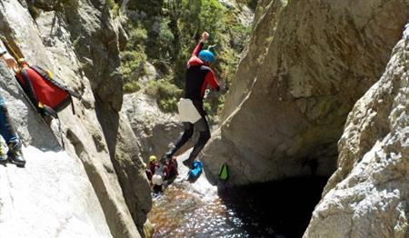 Canyoning Sportif - Niveau II : Le Gourg des Anelles