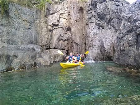 Location kayak de mer Triplace. 1  Journée. (3 adultes de petits gabarits)